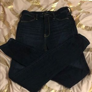HOLLISTER ULTRA HIGH RISE DARKWASH JEAN LEGGINGS